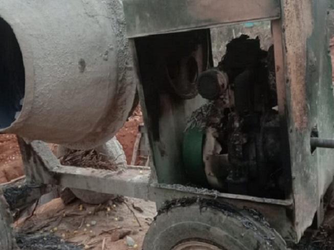 dantewada-naxalite-fire