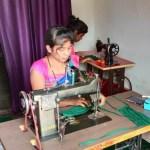 दंतेवाड़ा : स्व-सहायता समूह की दीदियों ने ठाना है कोरोना को भगाना है