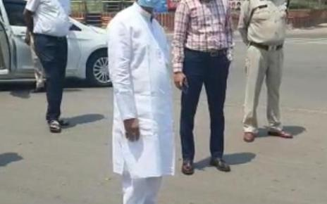tamradhwaj-sahu-on-road-inspection