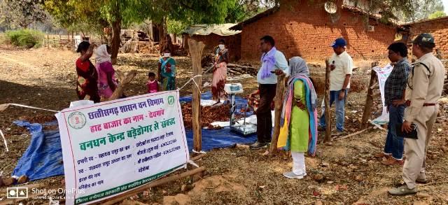 vanopaj-sanitization-mahila-samiti-28-april-2020