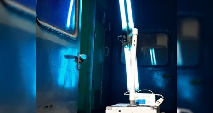 robot-will-sanitize-in-railway-station