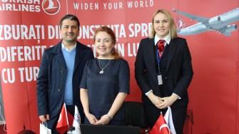 Primarul Decebal Făgădău la stand-ul Turkish Airlines Constanța. FOTO Adrian Boioglu