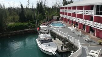 Hotelierii le oferă clienților și ieșiri pe mare și scuba diving. FOTO Cătălin SCHIPO
