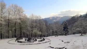 Sarmisegetuza Regia a fost acoperită de zăpadă. FOTO Facebook/Administratia Sarmizegetusa Regia