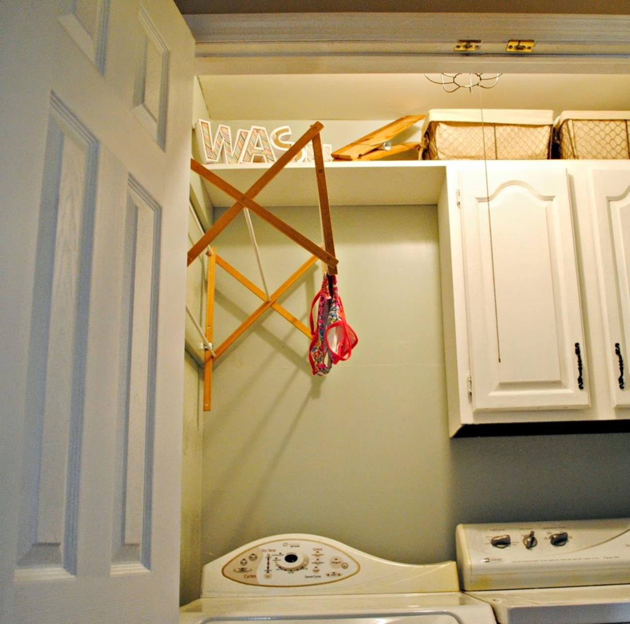 Laundry Room Hanging Rack Ideas 16