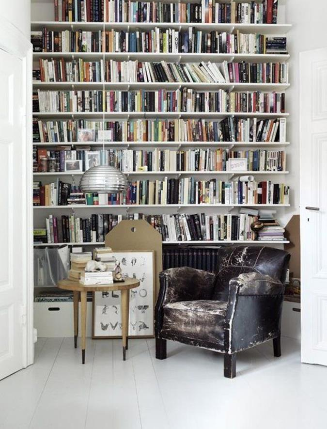 Perfect Bookshelves For Small Spaces and Decor Ideas 7