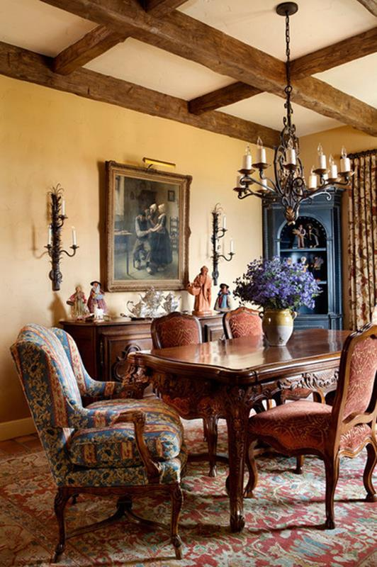 Traditional Farmhouse Interior and Exterior Colors Ideas 35