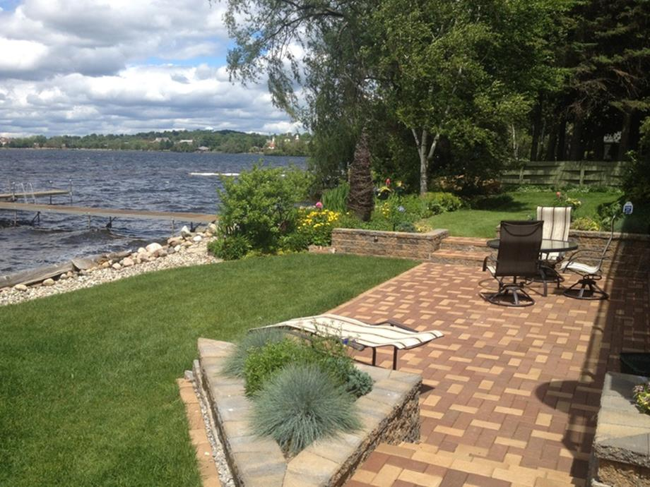 Lakefront Property Landscaping Ideas 1