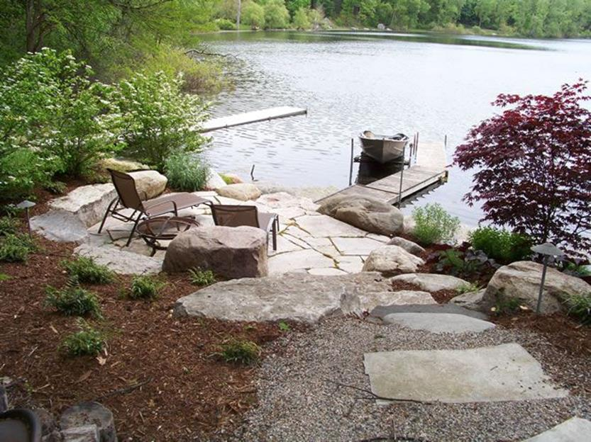 Lakefront Property Landscaping Ideas 15