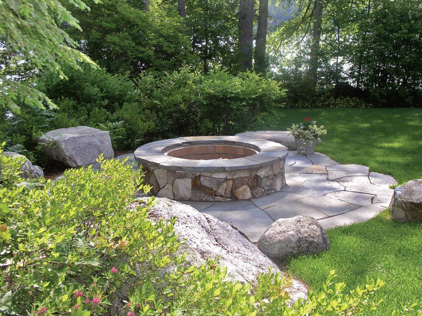 Lakefront Property Landscaping Ideas 5