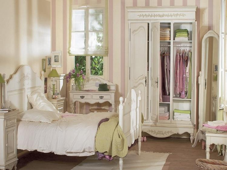 Shabby Chic French Country Decorating Ideas 32