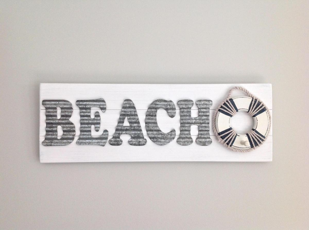 DIY Gorgeous Beach Themed Wall Decorating Ideas 12