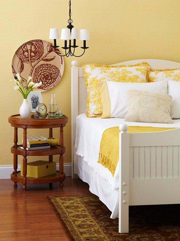 Yellow Cottage Living Room Decorating Ideas 2