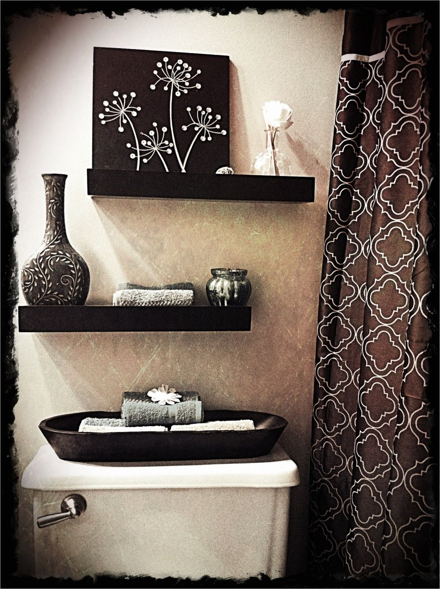 Bathroom Shelves Decorating Ideas 89 20 Practical and Decorative Bathroom Ideas 7