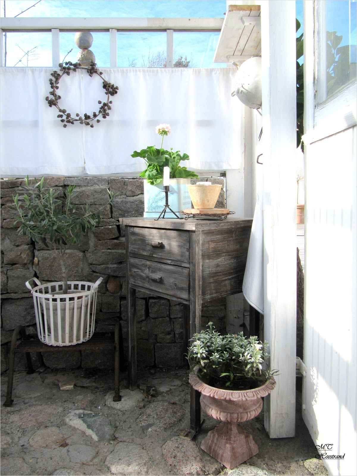 42 Amazing Ideas Country Garden Decor 12 Inside Gazebo Outside Patio Garden Whitewashed Cottage Chippy Shabby Chic French Country Rustic 5