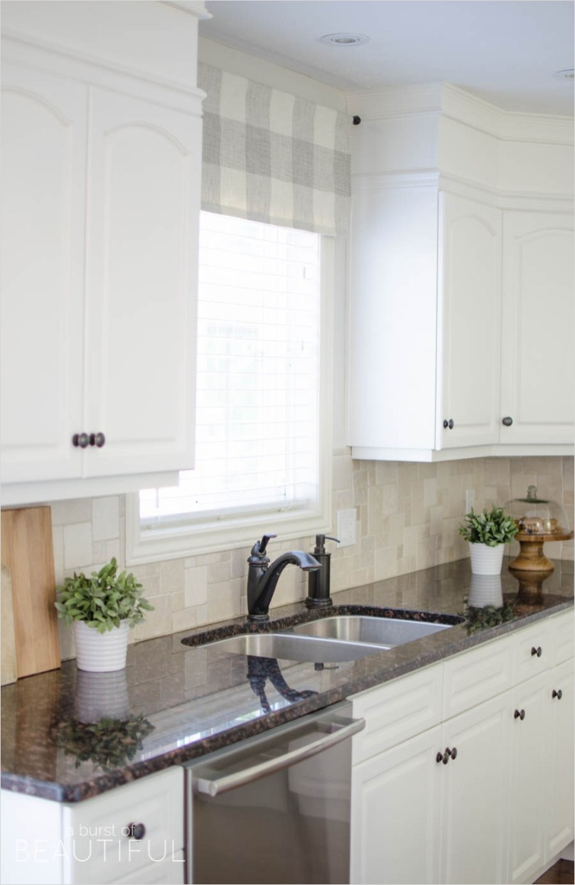 41 Perfect Farmhouse Country Kitchen Curtain Valances 52 Kitchen Window Valances Love the Salvaged Metal Window Frieze Used as A Valance Balloon Shades 2