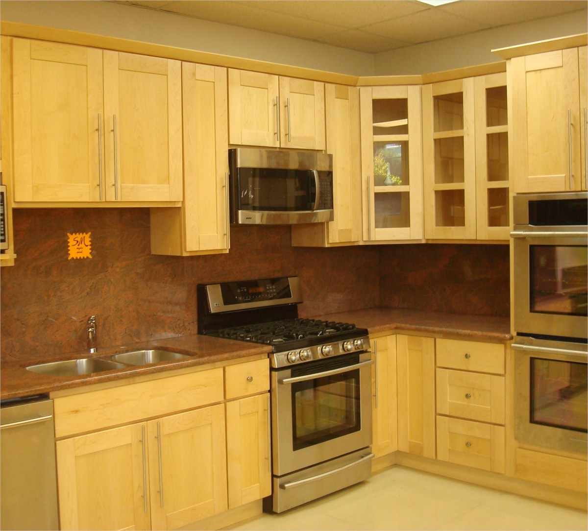 Kitchen with Maple Cabinets Color Ideas 29 Kitchen Lake forest Park Residence 109 Kitchen Color Ideas with Maple Cabinets Ahhualongganggou 4