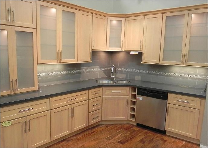 Kitchen with Maple Cabinets Color Ideas 12 Kitchen Wall Colors with Maple Cabinets Home Furniture Design 1
