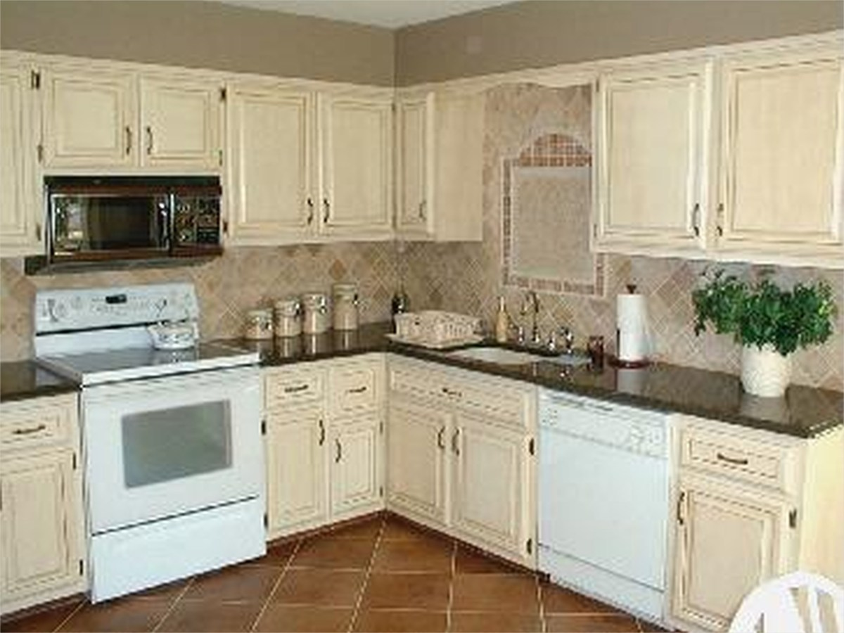Kitchen with Maple Cabinets Color Ideas 76 Kitchen Lake forest Park Residence 109 Kitchen Color Ideas with Maple Cabinets Ahhualongganggou 3