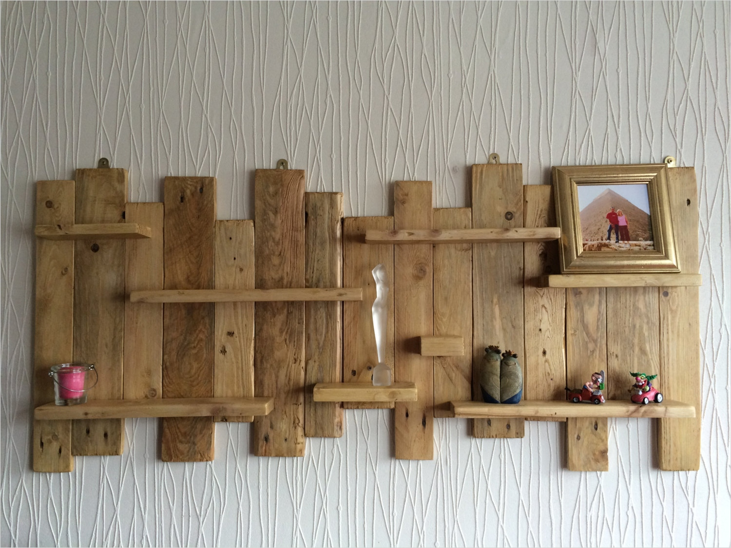 45 Creative Rustic Wall Mounted Bookshelves 61 Pallet Wall Mounted Shelf Unit Rustic and Handmade From 1