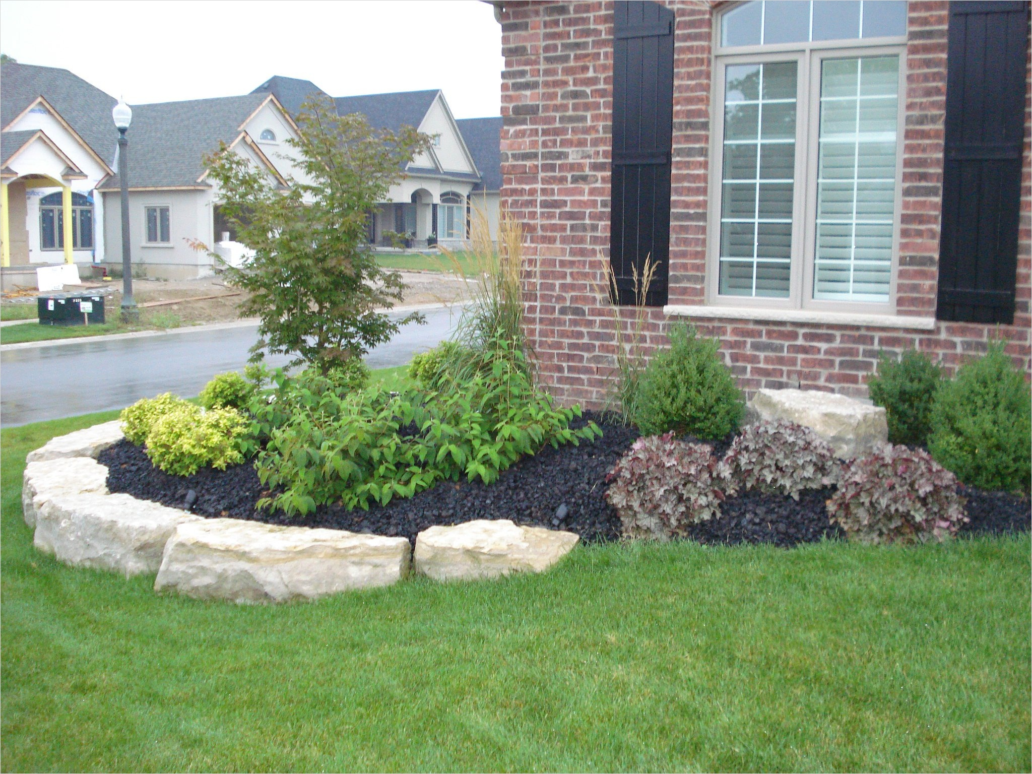 43 Perfect Gravel Landscaping Ideas 94 Ideas White Rock and Gravel Plus Green Grass for Front Yard Landscape Ideas 8