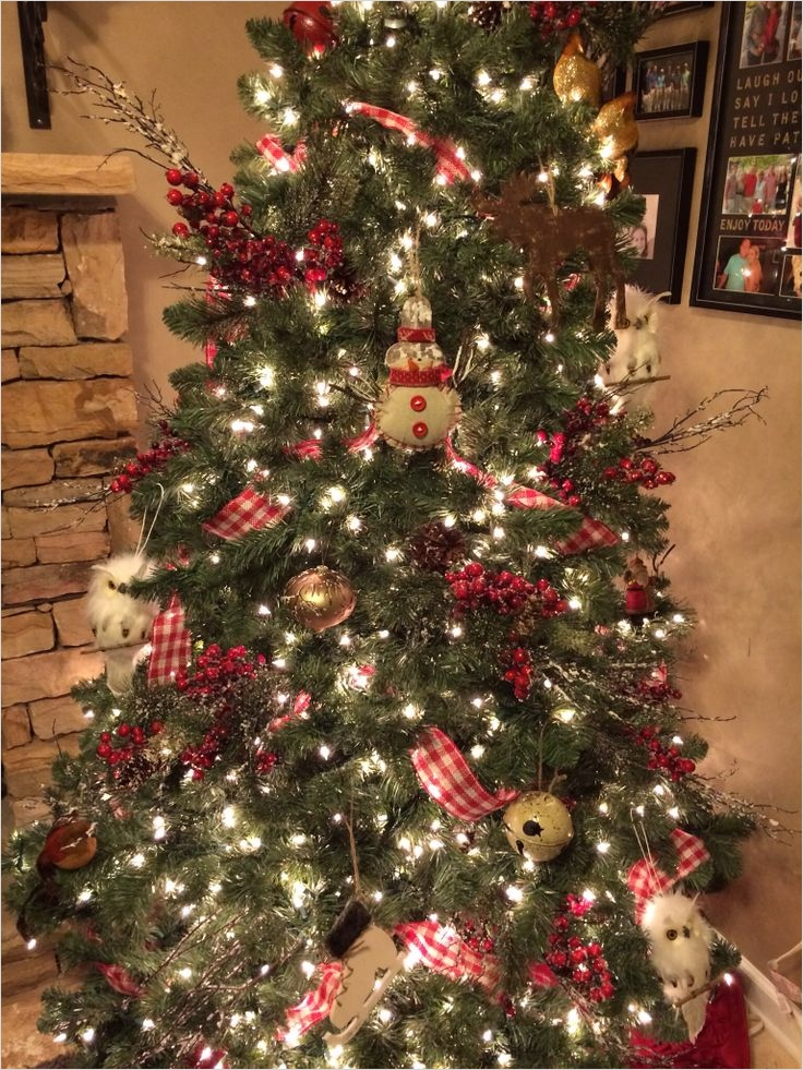 41 Amazing Country Christmas Decorating Ideas 63 25 Awesome Country Christmas Decoration Ideas 7