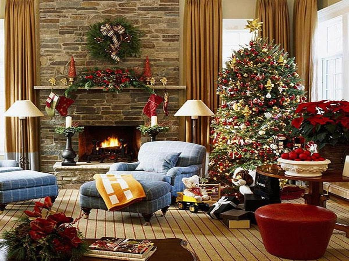 50 Stunning Living Room Christmas Decorating Ideas 5