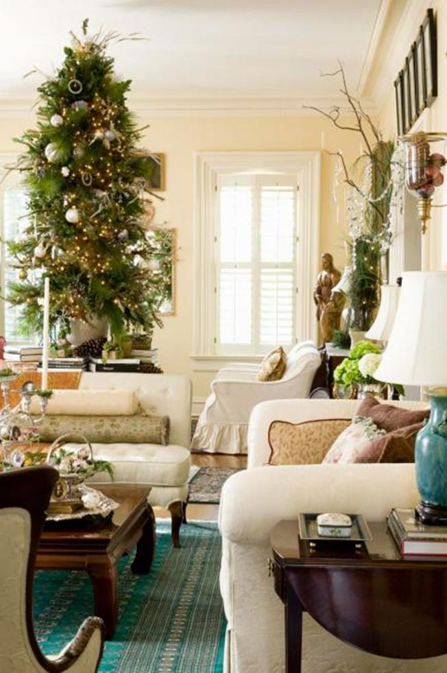 50 Stunning Living Room Christmas Decorating Ideas 52