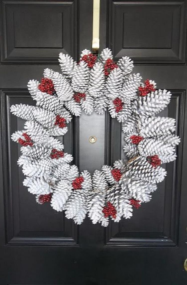 Best 40 DIY Christmas Wreath Ideas 46