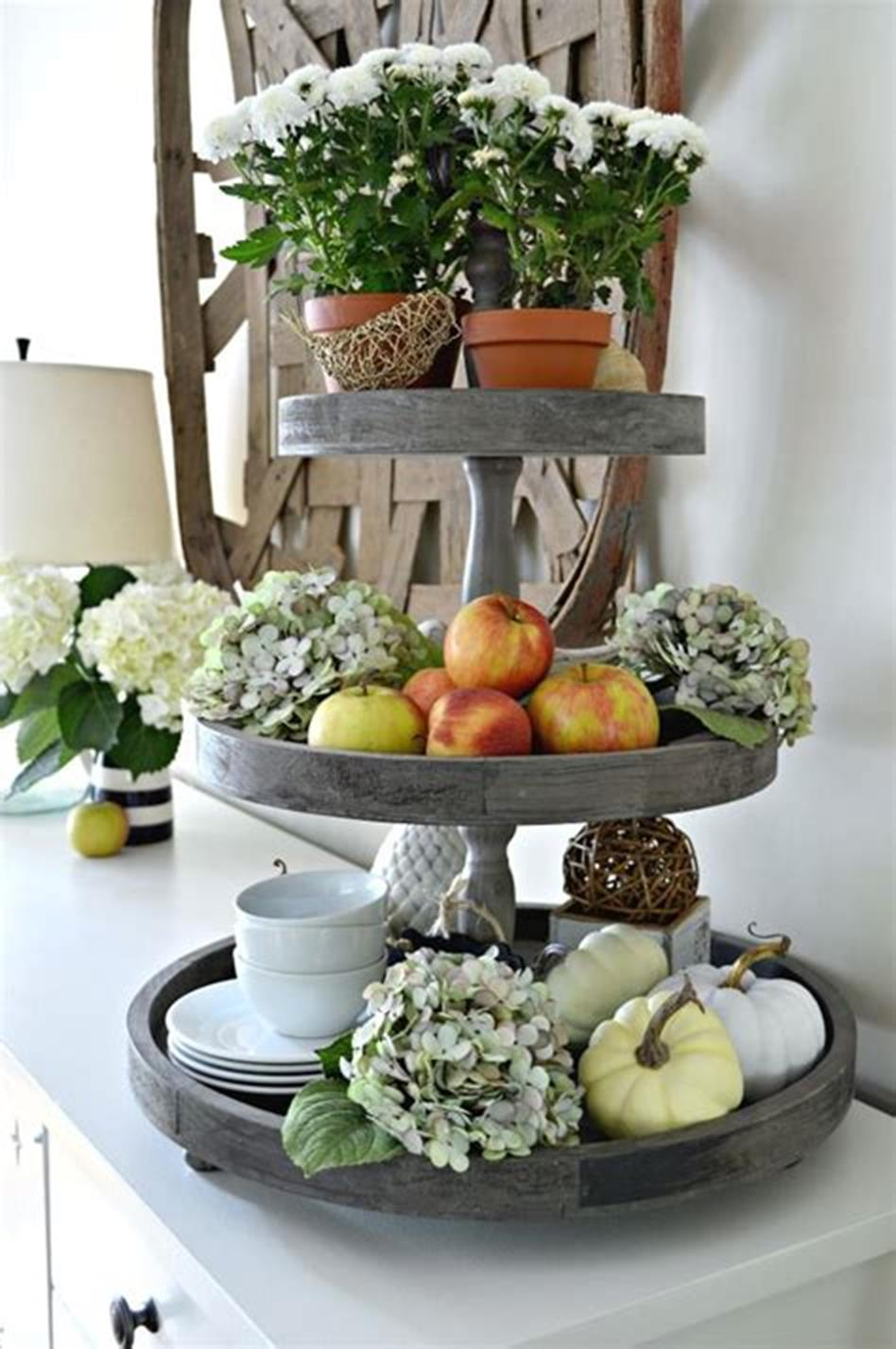 40 Beautiful Farmhouse Style Tray Decor Ideas 20