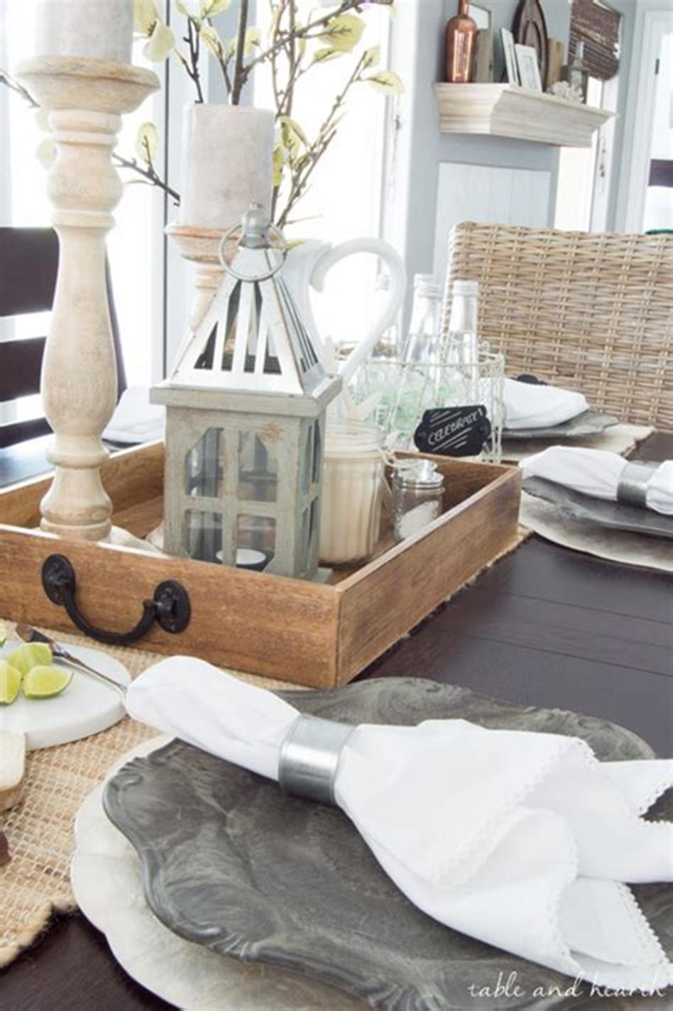 40 Beautiful Farmhouse Style Tray Decor Ideas 28