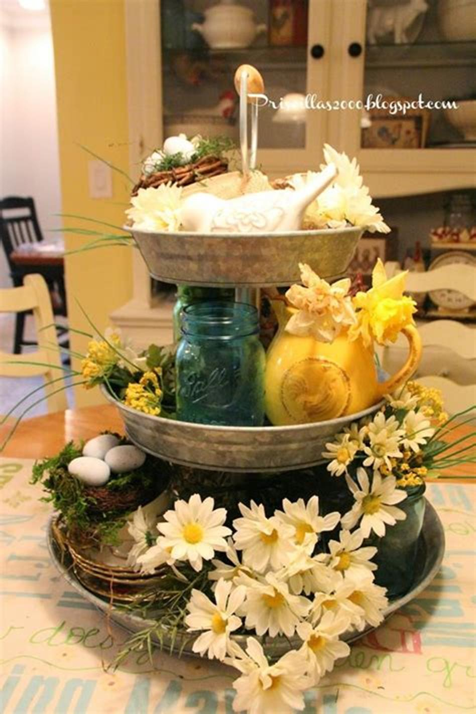 40 Beautiful Farmhouse Style Tray Decor Ideas 29