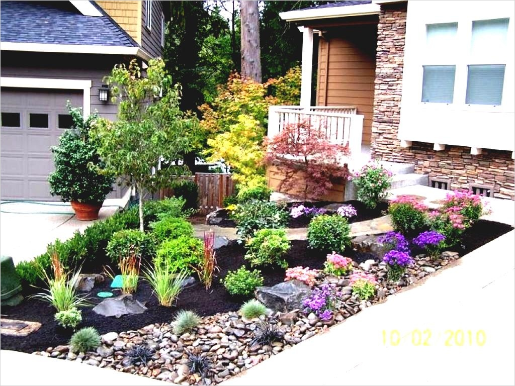 35 Perfect Front Yard Landscaping Ideas with Rocks 67