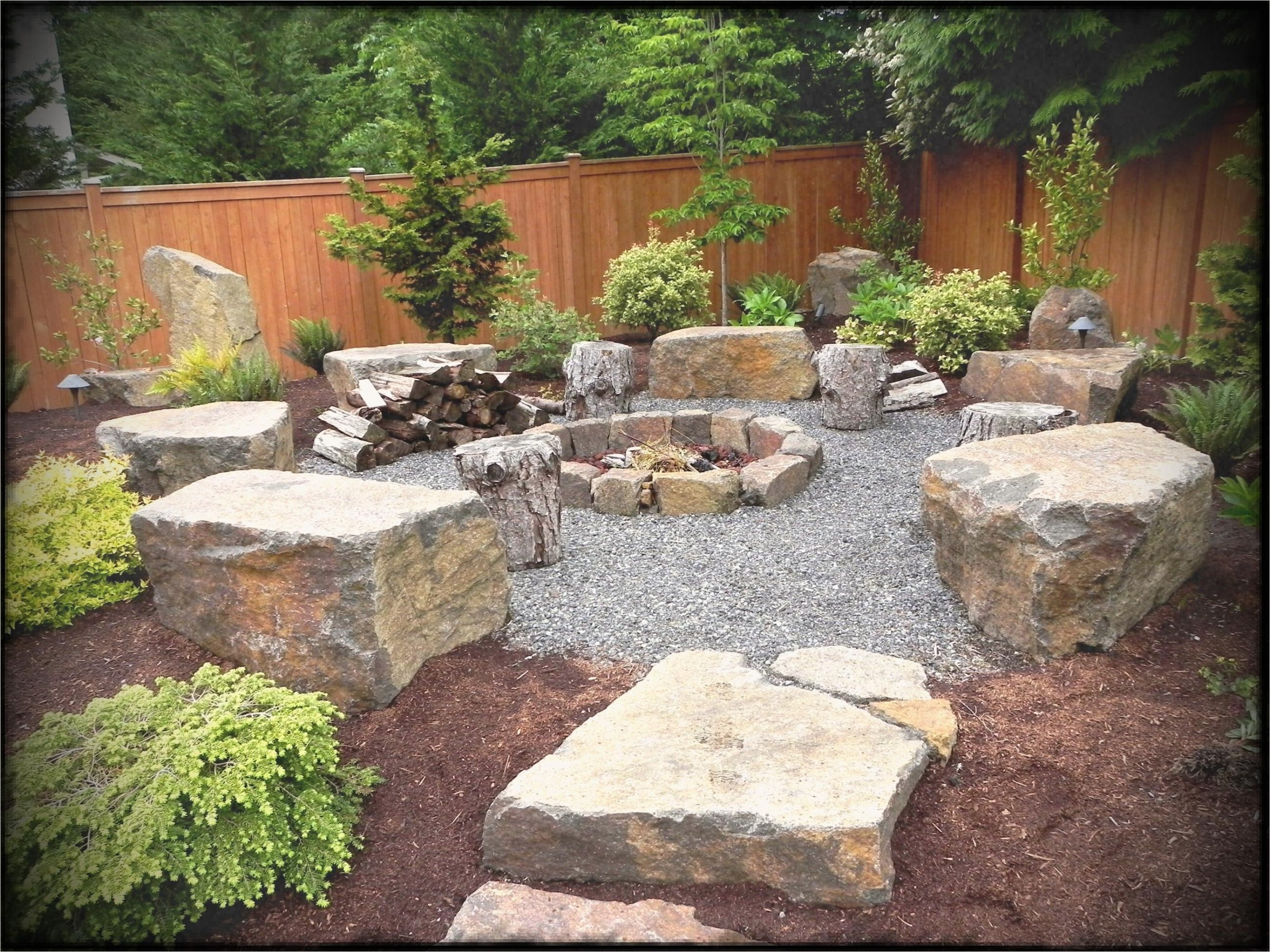 35 Perfect Front Yard Landscaping Ideas with Rocks 96