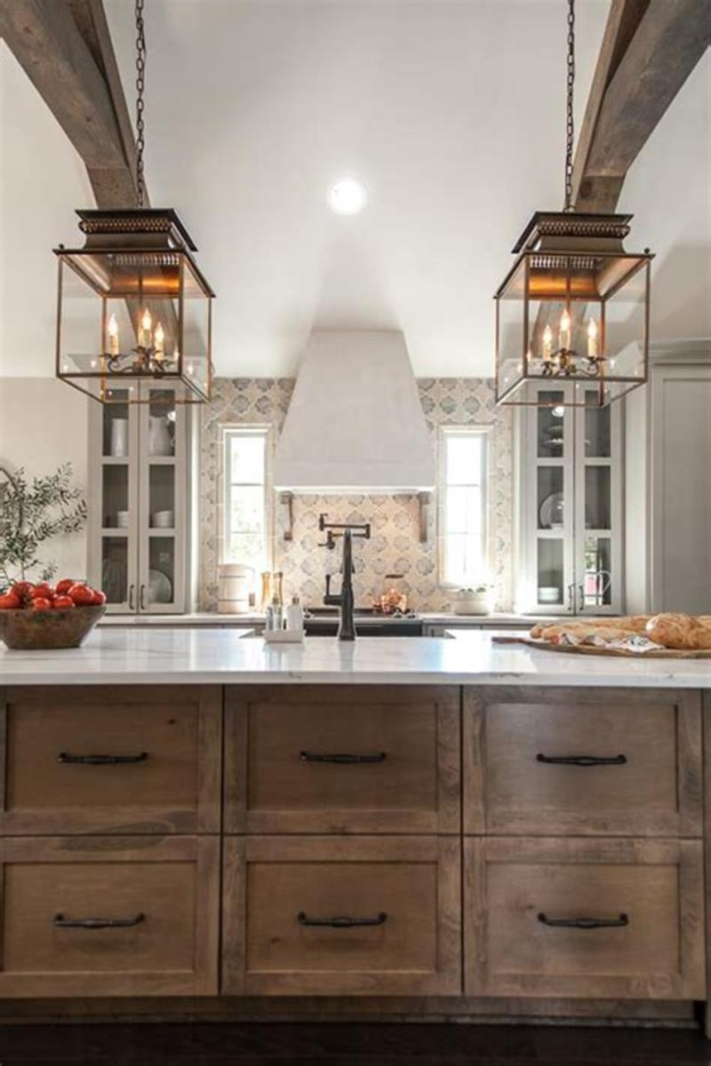 50 Inspiring Farmhouse Style Kitchen Lighting Fixtures Ideas 27