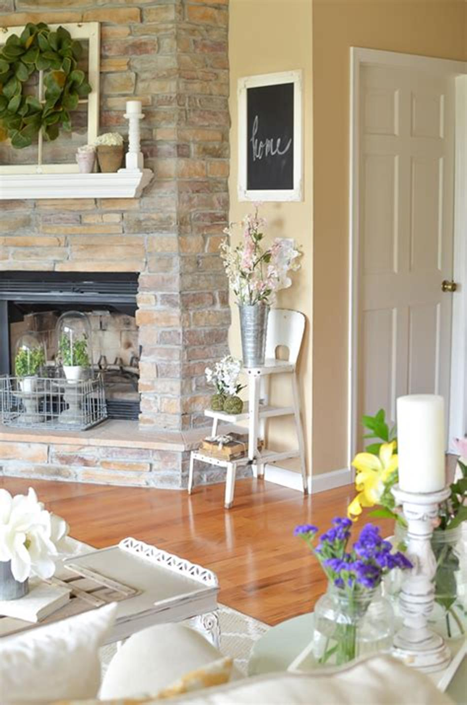 37 Beautiful Farmhouse Spring Decorating Ideas On a Budget for 2019 22