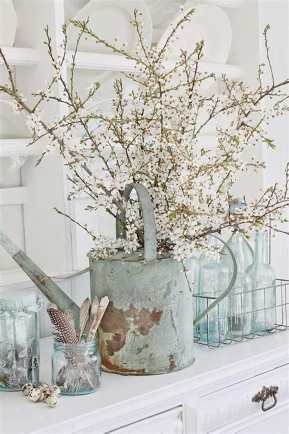 37 Beautiful Farmhouse Spring Decorating Ideas On a Budget for 2019 30