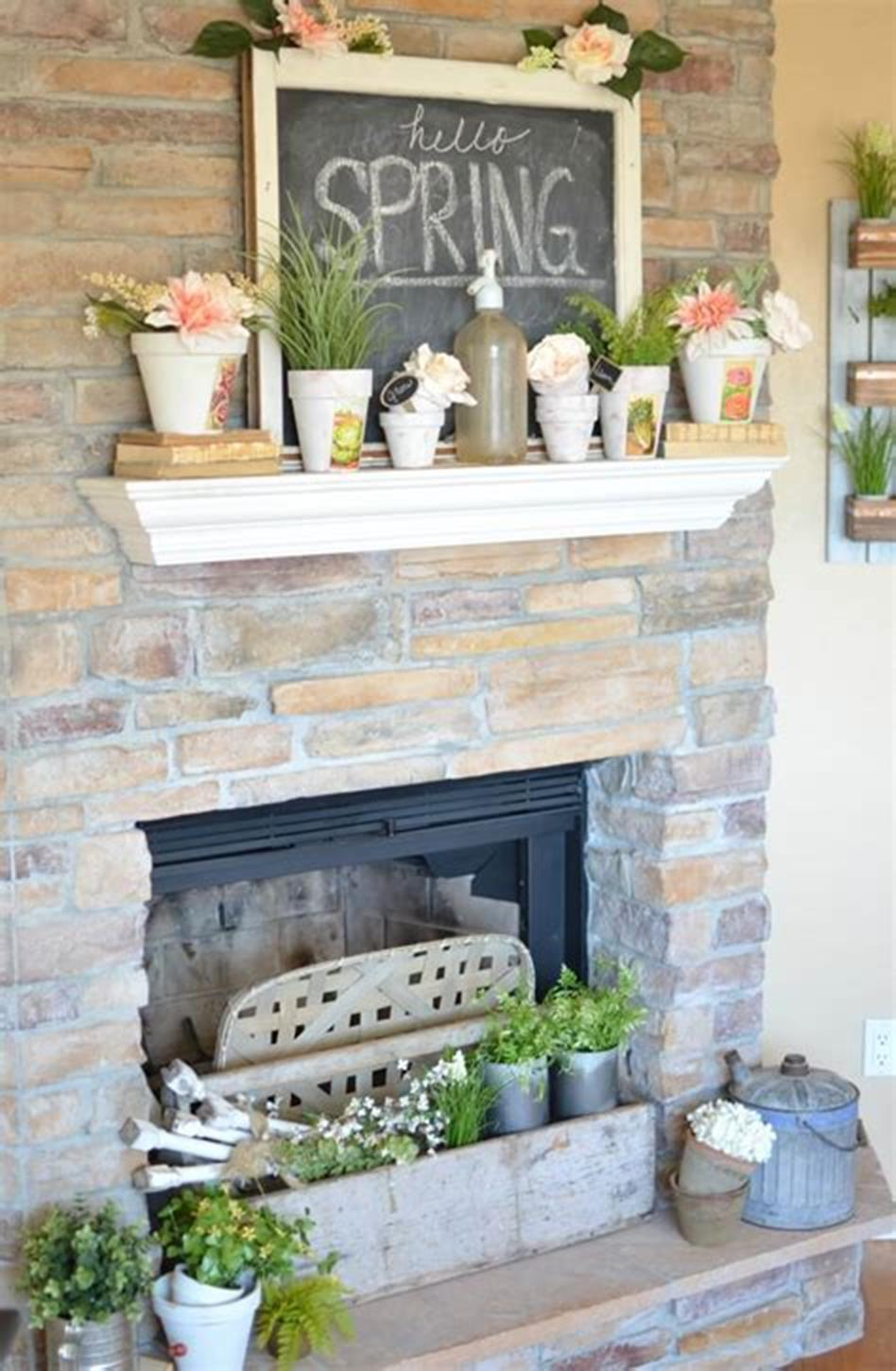 37 Beautiful Farmhouse Spring Decorating Ideas On a Budget for 2019 58