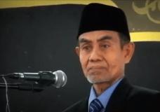 Mudah-mudahan keikhlasannya juga bertingkat Doktor — KH Hasan Abdullah Sahal – Wisuda ISID 2013