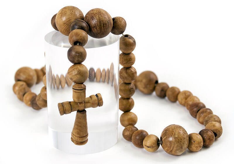 A 1500s rosary found on board the carrack Mary Rose