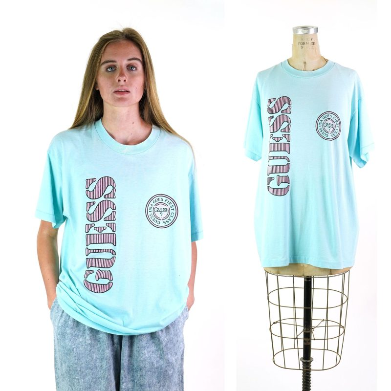90s Guess Graphic Tshirt
