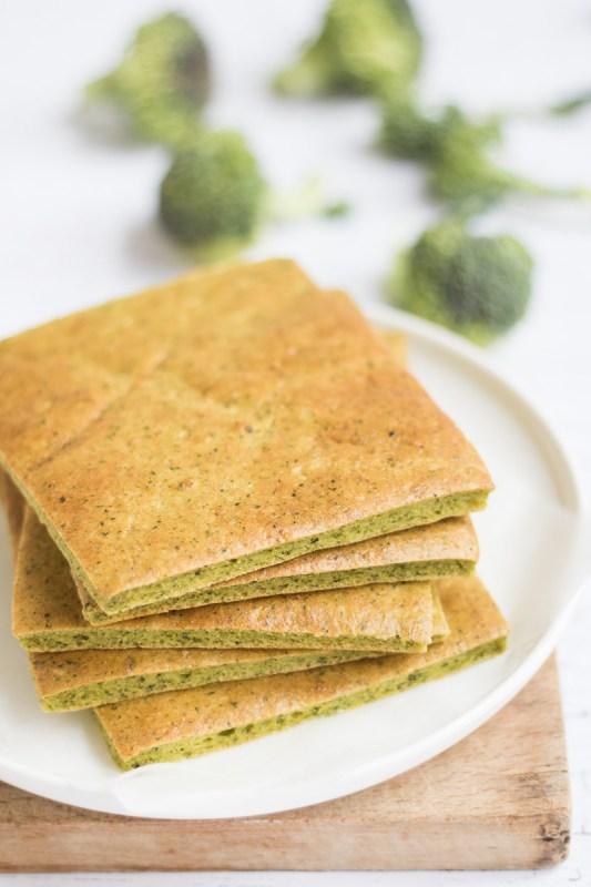Flatbread di broccoli con curcuma