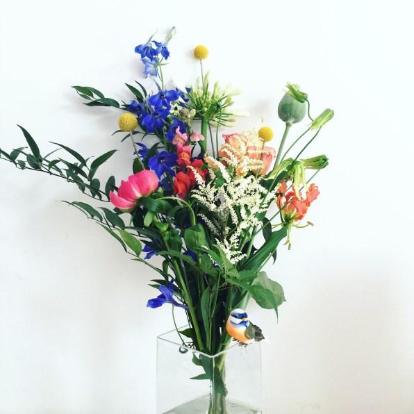 de meisjes van de bloemen