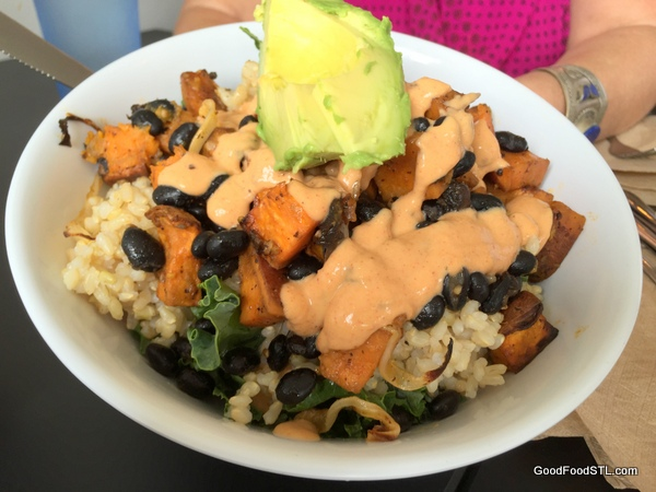 lulu's local eatery chipotle black bean bowl