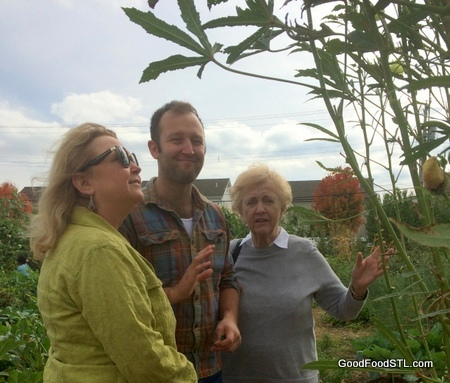 Debra. Austin and Jean Carnahan view urban garden in St. Louis