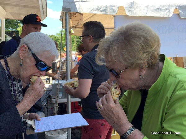 Taste of Maplewood 2016 Bolyard's Banger with Cheese