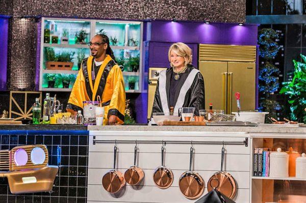 Snoop Dogg and Martha Stewart in the kitchen
