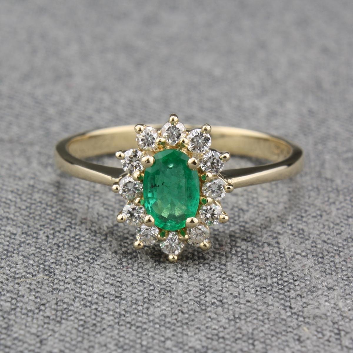 Pre Owned 14 Karat Yellow Gold Emerald Amp Diamond Ring
