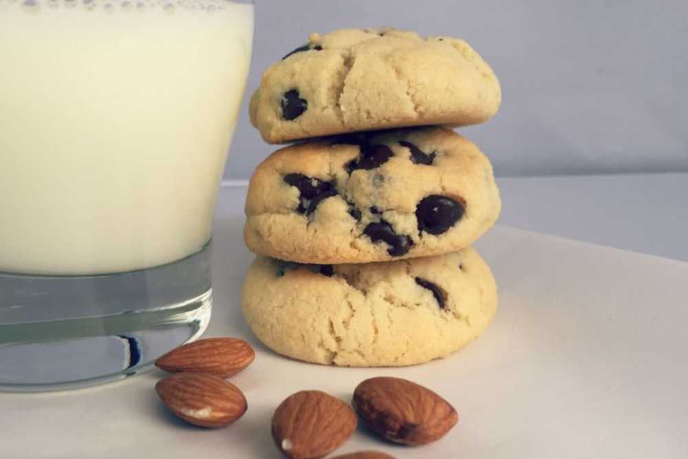 Soft and Doughy Gluten-Free Almond Flour Chocolate Chip Cookie Recipe
