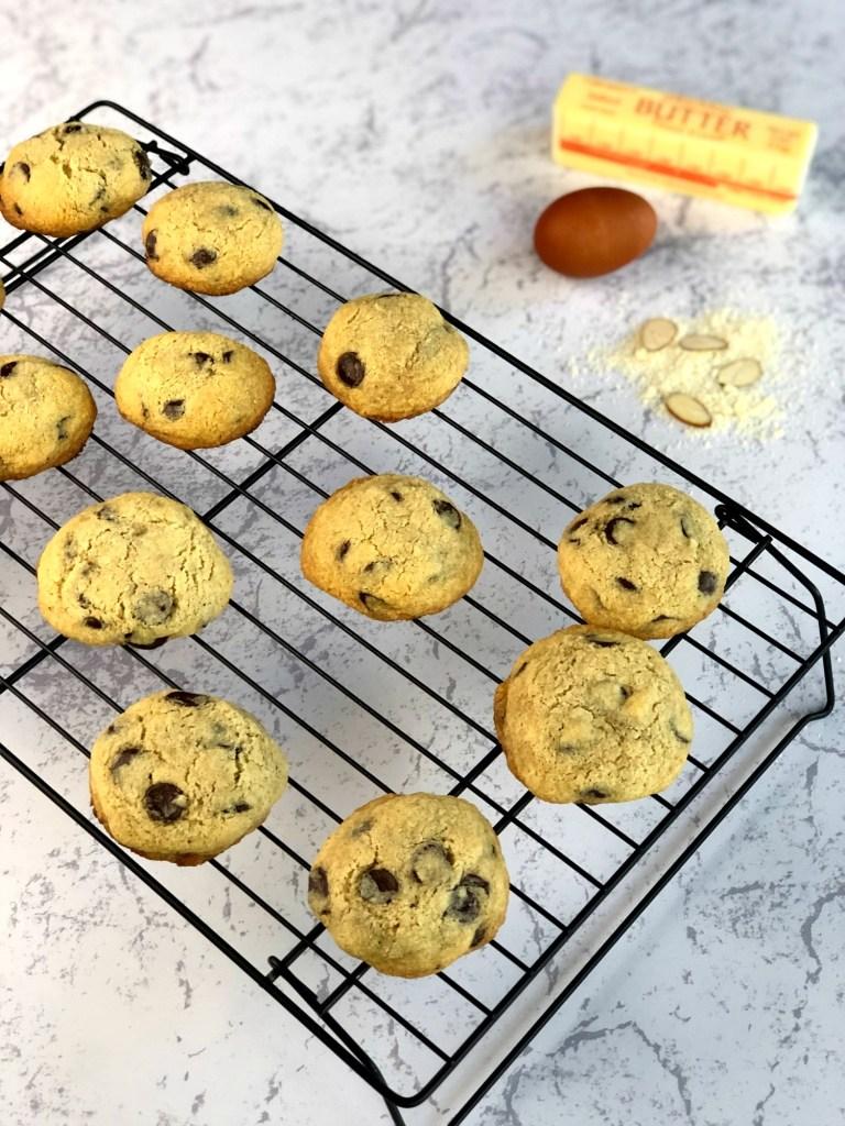 Gluten-Free Almond Flour Chocolate Chip Cookies 1a